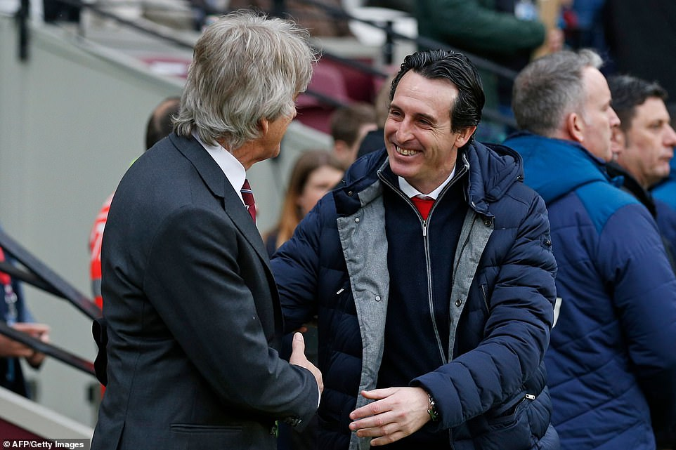 Manager-counterparts Pellegrini and Unai Emery gave each other a warm welcome on the sidelines