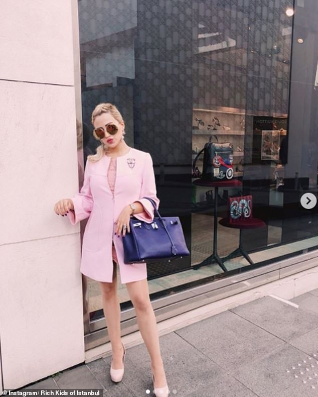 Instagram user 'Flawless Barbie' showcased her passion for pink as she enjoyed a shopping spree around Istanbul