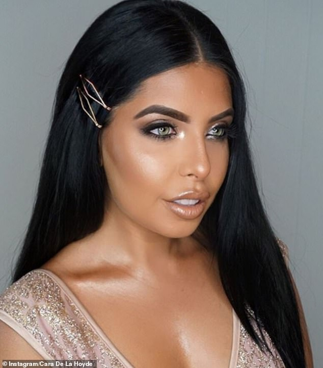 Love Island star Cara De La Hoyde wore two simple gold slides in her hair to complement her sparkly dress for a recent Instagram snap