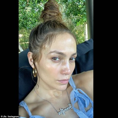 No Filter Friday: Jennifer Lopez shares a makeup free snap for No Filter Friday in Miami