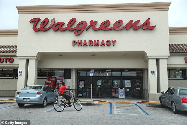 For most of Kim Thien Le's tenure at three Walgreens locations - from 2006 to 2017 - she did not, according to a new 14-page accusation filed by the California State Board of Pharmacy