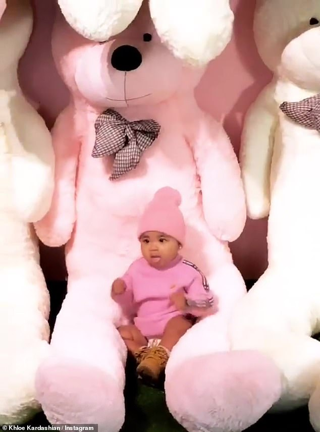 & # 39; Get the girl! & # 39 ;: True Thompson leaves behind the chips during a photo shoot on the first birthday of his cousin Stormi, as was told by his reality TV mom on Instagram