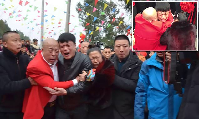 Image result for Cheng Xueping meet his parents after 31 years