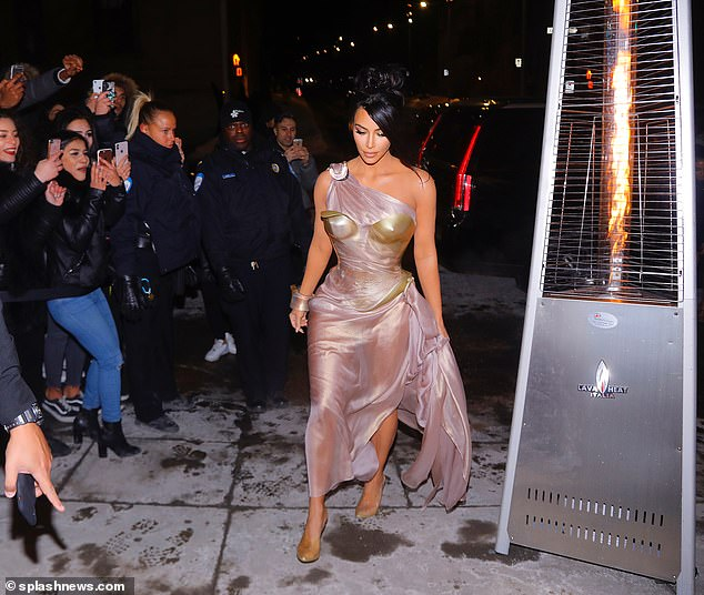 Fashion, love: Kim Kardashian likes to be barely wearing clothes there on 20-night graduation in Montreal to open the Thierry Mugler exhibition Monday ... and she wants to walk on ICE in heels six inches Yeezy