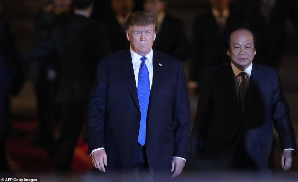 Trump and Kim Jong Un shake hands for second summit in ...