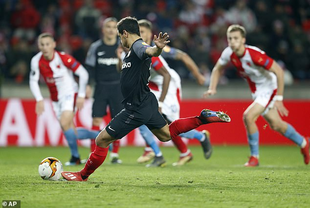 Ben Yedder makes no mistake from the spot as Sevilla bring themselves back into the game