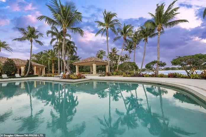 """Das Haus mit Sitz im Viertel Le Lac in Boca Raton ist als """"Haus des Friedens"""" bekannt."""