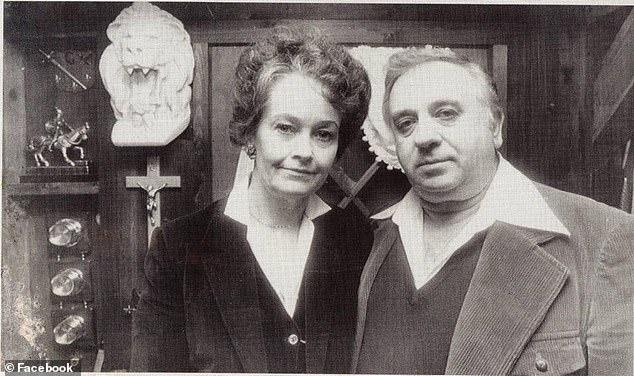 Sie und ihr Ehemann Ed Warren (zusammen oben) sind berühmte übernatürliche Ermittler, deren prominente Fälle das Horrorhaus von Amityville im Jahr 1976, die Annabelle Raggedy Ann-Puppe im Jahr 1968 und die verfolgte Familie Perron im Jahr 1971 waren