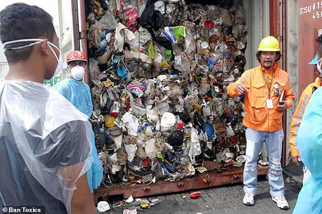 Authorities in thePhilippines have complained tonnes of garbage shipped from Canada labelled as recycling was actually toxic waste