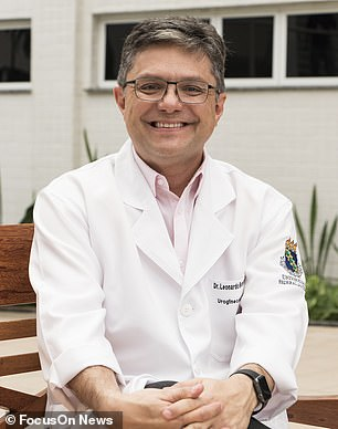 The operation was carried out byProfessor Leonardo Bezerra (pictured) of theFederal University of Ceará