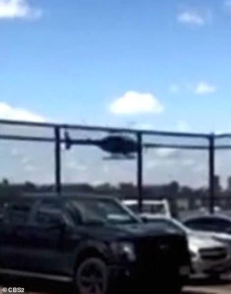 L'hélicoptère semblait instable alors qu'il effectuait sa descente accidentelle dans la rivière par Manhattan
