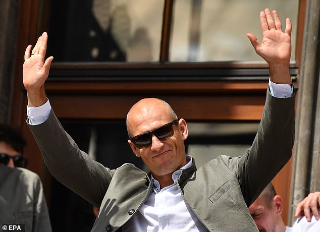 Looking cool in shades, Robben waved to the crowds and said his final goodbyes