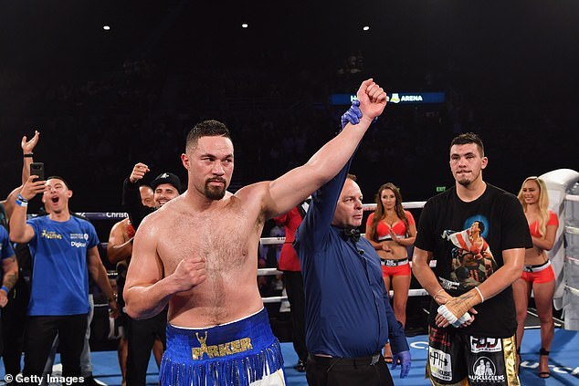 Parker was victorious in his last fight when he overcame the challenge of Alexander Flores (R)