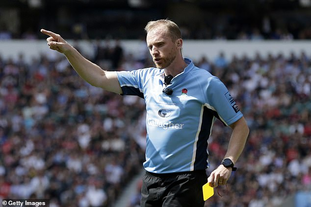 Premiership referee Wayne Barnes oversaw the final and handed out two yellow cards