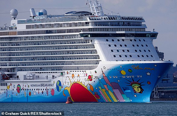 Peter's work is very popular on cruise ship auctions. In 2015, he painted a cruise ship, part of Norwegian's fleet, the Norweigan Breakaway (pictured leaving Southampton, England)