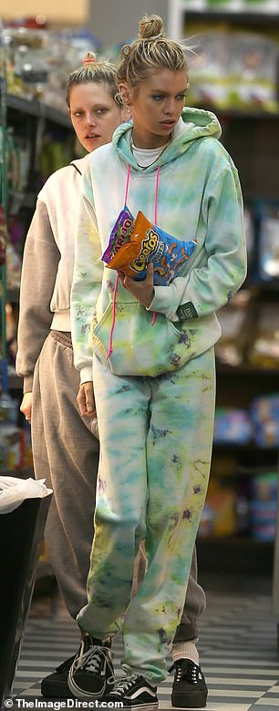 Treat: Stella was seen shopping for Cheetos and gummy lollies