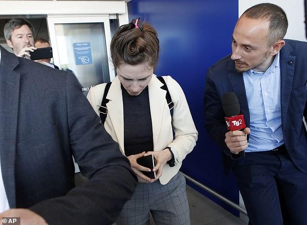 """Anfang dieses Jahres hat ein europäisches Gericht Frau Knox Schadensersatz in Höhe von 18.400 Euro zuerkannt, nachdem sie festgestellt hatte, dass die italienischen Behörden """"ihre Menschenrechte verletzt"""" hatten."""