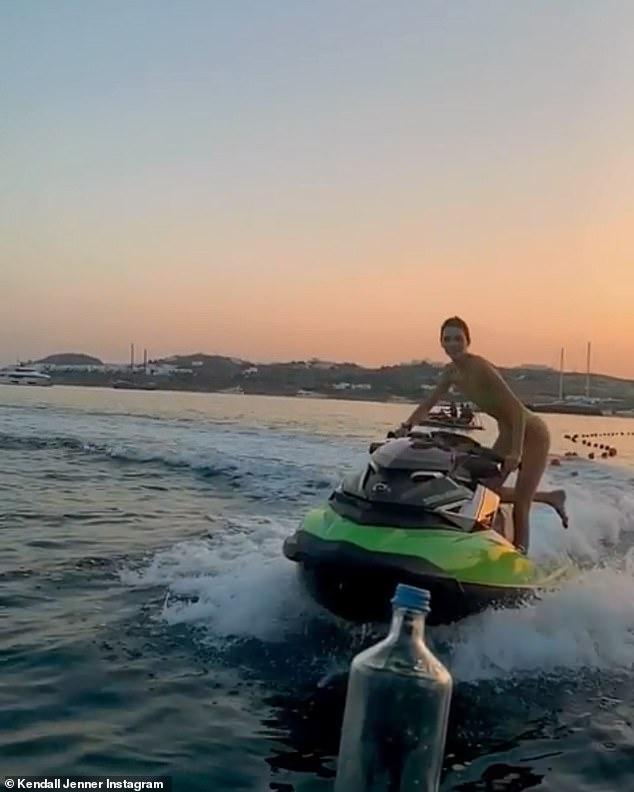How Does Jet Ski Turn