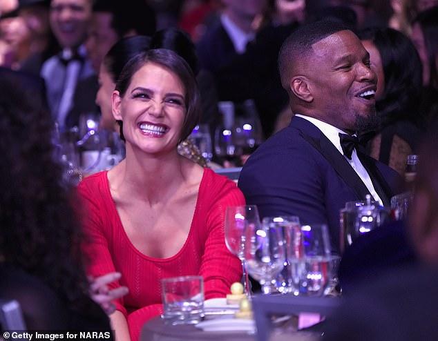 Muy tímido: sonrieron cuando fueron atrapados lado a lado en la Gala Pre-GRAMMY de Clive Davis and Recording Academy en enero de 2018 en la ciudad de Nueva York