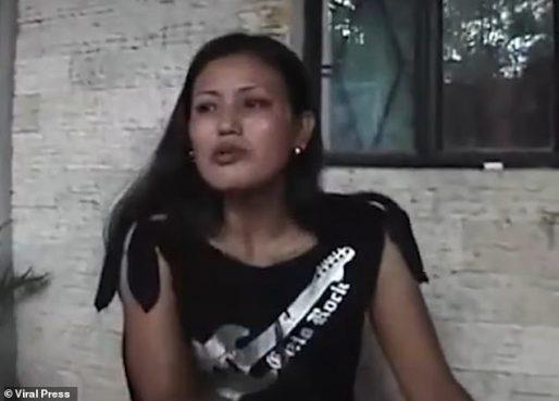 La Sociedad para la Prevención de la Crueldad contra los Animales está buscando a la mujer malvada (en la foto) que creen que está en Singapur