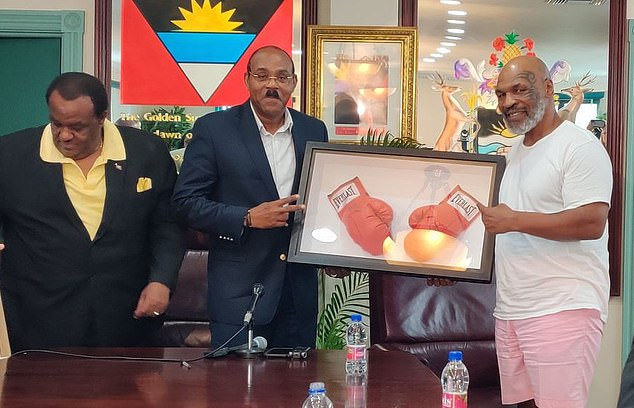 Prime Minister Gaston Browne and former heavyweight champion Mike Tyson at a press conference in St John's, Antigua and Barbuda on September 20