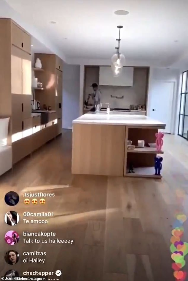 Jokes! On Instagram Live yesterday, he stood in his large designer kitchen and shouted: 'It's not the banana I wanted! It's not the right banana. It has no head'