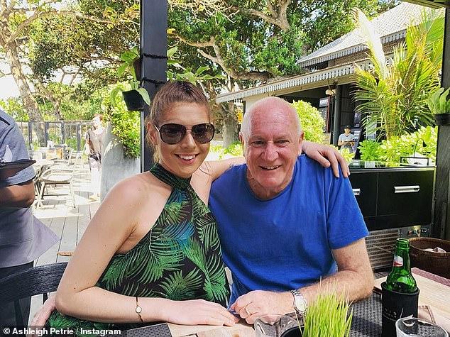 Lors d'une conférence juridique à Bali, elle aurait été entendue disant qu'elle pensait que M. Higgins (photo ensemble) était «trop douce» et l'avait encouragé à s'attaquer plus sévèrement aux criminels.