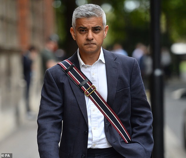 The Mayor of London said the Labour leader would be wrong to continue with his current Brexit strategy, branding it a 'fudge'