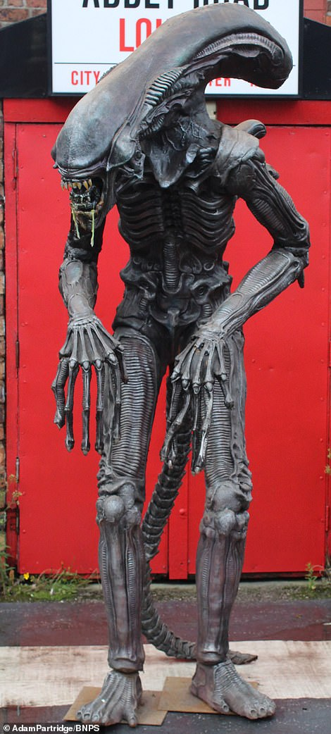 A model of the Xenomorph from the Alien films sold for £280