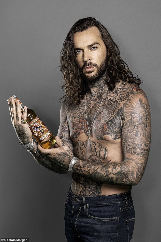 Cheers! Pete has been busy filming a new Captain Morgan campaign, doing his best male model impression in the spoof aftershave ad