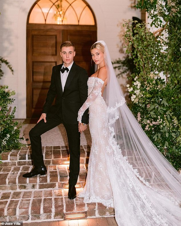 Mariage: La chanteuse, 25 ans, et le modèle, 22 ans, ont fait la fête le 30 septembre à Montage Palmetto Bluffs, en Caroline du Sud.