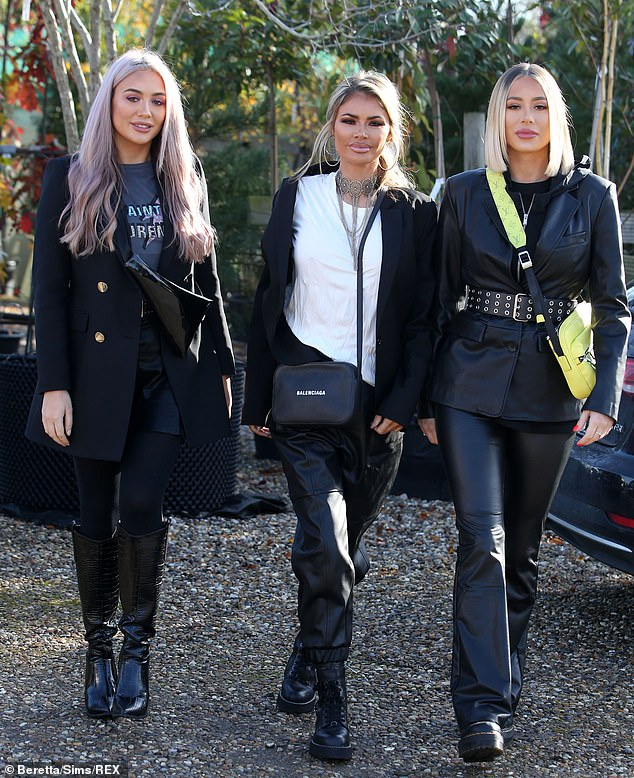 No sibling rivalry here! Reality star Chloe was joined by her sisters (L-R) Frankie and Demi Sims