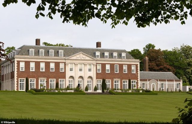 Winfield Houseoccupies twelve and a half acres next to Regent's Park in London and is the British residence of the US ambassador