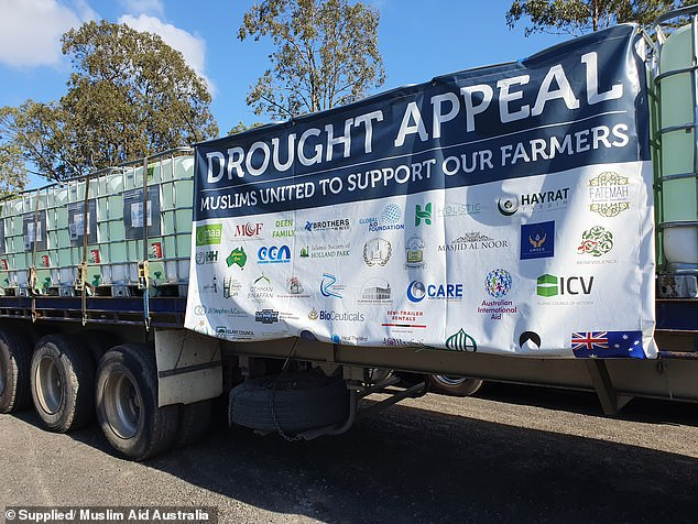 Last month, Stanthorpe received 200,000 liters of water and 130 tons of bales of hay in a huge emergency supply package from the Muslim community in Australia.