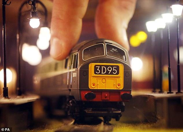 Trenes: Hornby dijo que las ventas acumuladas del grupo durante todo el año crecieron un 28 por ciento, aunque su efectivo neto disminuyó año con año de £ 5.4 millones a £ 4.7 millones este año.