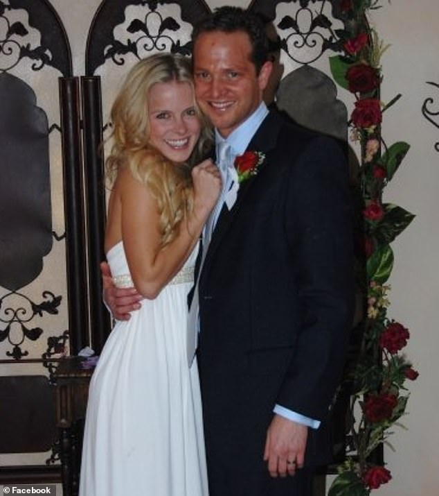 Police sources say Stan Kirsch's wife, Kristyn Green, found him hanging in the bathroom of his home in Los Angeles.