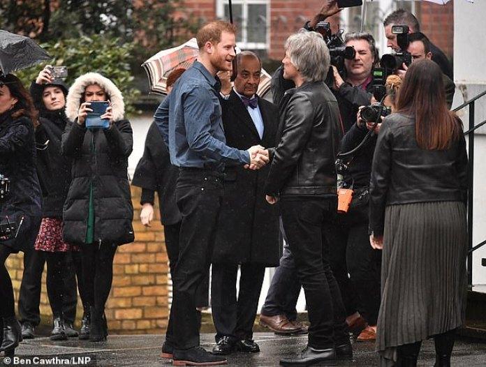 Resultado de imagen de Prince Harry & Jon Bon Jovi  Abbey Road Studios