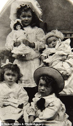 A life well lived: Bob (back right) in his first portrait in 1908
