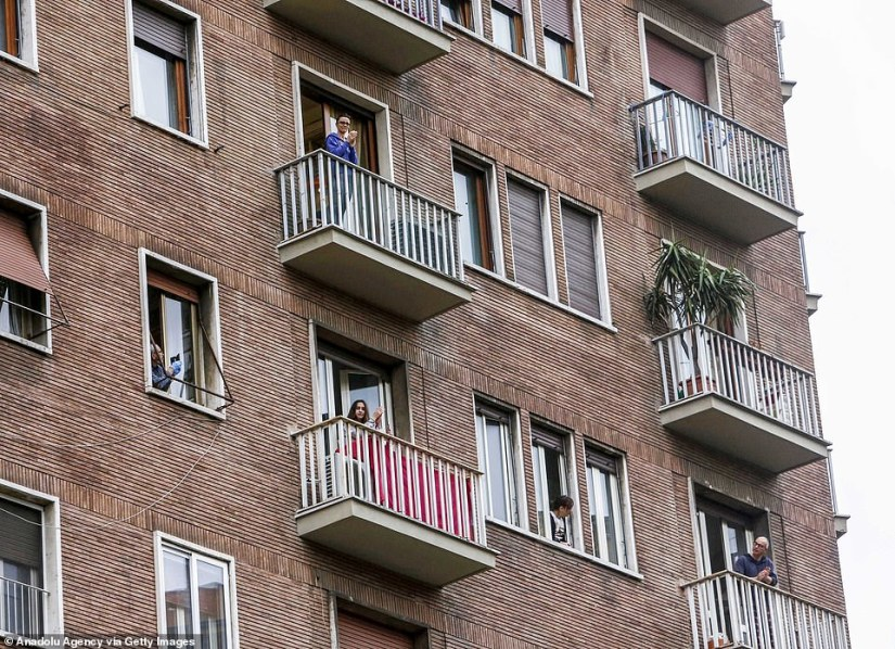 Today people cheer and sing from their balconies in Rome. The country has been blocked due to the virus
