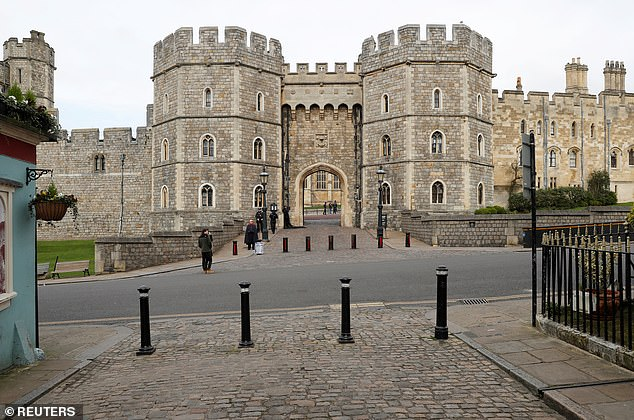 Today's Windsor Castle as the government's chief science officer, Patrick Vallance, estimates that there are currently 55,000 people infected in the UK