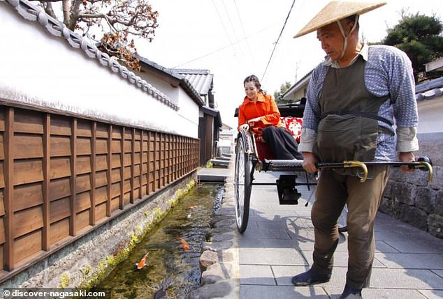 Shimabasa may boast 17th-century castles and samurai dwellings, but it's the canals and their fish that are the biggest tourist attraction