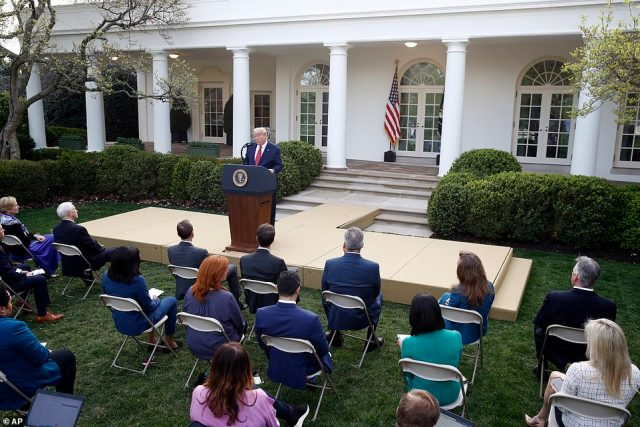 Reporters gathered in the Rose Garden for the press briefing Sunday as temperatures reached 70 in Washington D.C. ¿ and chairs were seated one to two feet apart from one another as they continue practicing social distancing