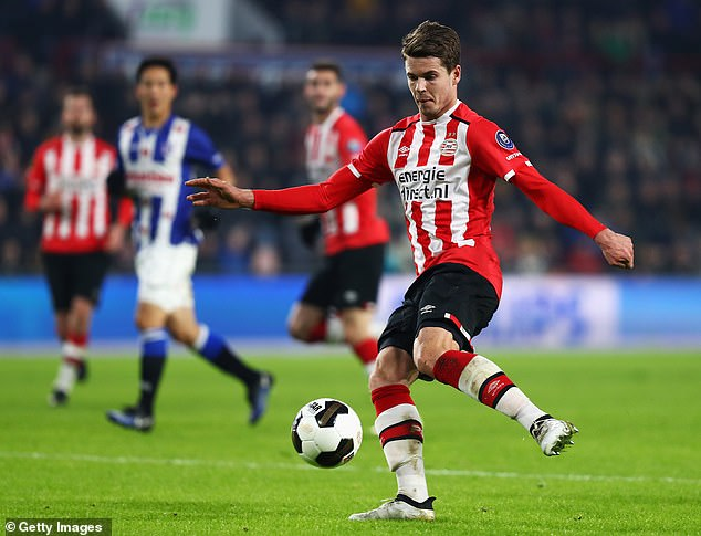 He was captain of PSV Eindhoven under Eredivisie in 2018 but suffered several injuries