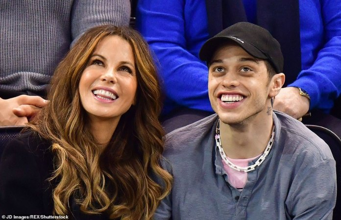 Age difference: Kate Beckinsale, 46, started her relationship with Goody Grace, 22, but it turns out that the actress is no stranger to a romance from May to December (photo 2019)