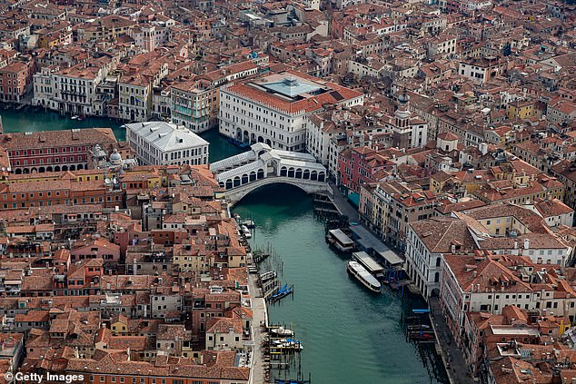 The Ponte di Rialto desert in central Venice as strict Italian foreclosure measures continue to be implemented