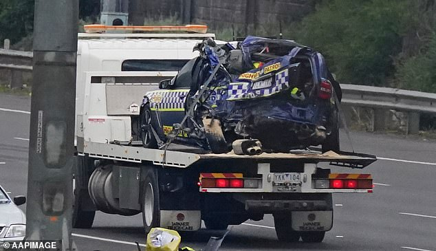 The police car that arrived at the scene was crushed by a refrigeration truck - killing four police officers who were standing by the roadside