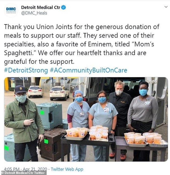 'Un sincero agradecimiento': los trabajadores del Centro Médico de Detroit también publicaron en las redes sociales el martes, tuiteando que ellos también habían obtenido suministros gratuitos del plato de pasta.