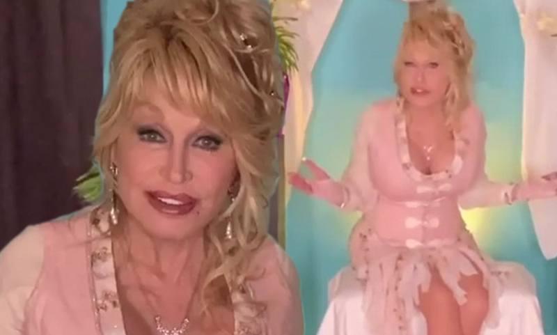 Dolly Parton 74 Declares She S