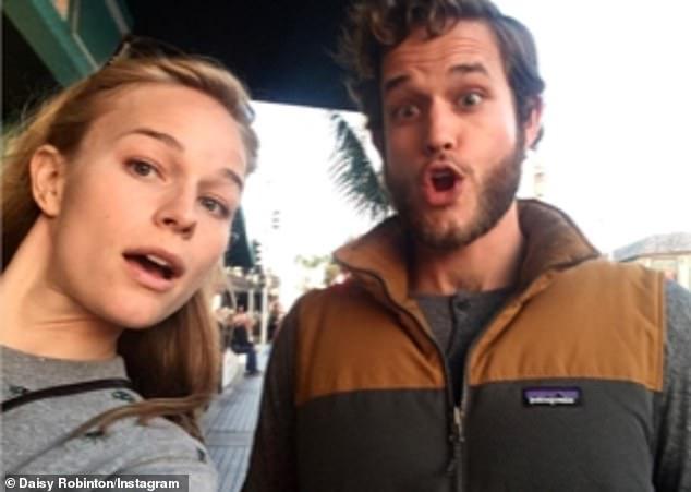 Frères et sœurs: Daisy, qui suit Emma sur Instagram et partage son vif intérêt pour le yoga, se concentre sur la recherche sur les cellules souches (photo avec son frère Leo)