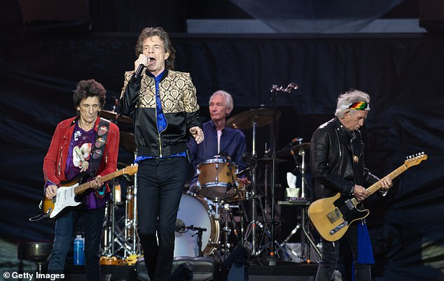 `` No competition '': but Mick struck by saying that he `` had broken up before the tours started for real ... but the Stones continued ''